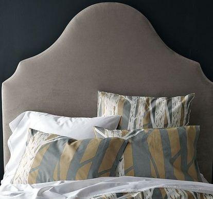 Fantasifull sänggavel