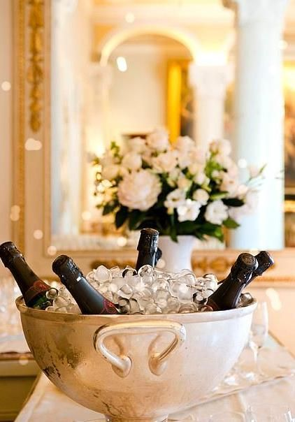 Italy, Lombardy, Como Lake, Cernobbio,  champagne bowl at Villa D'este hotel