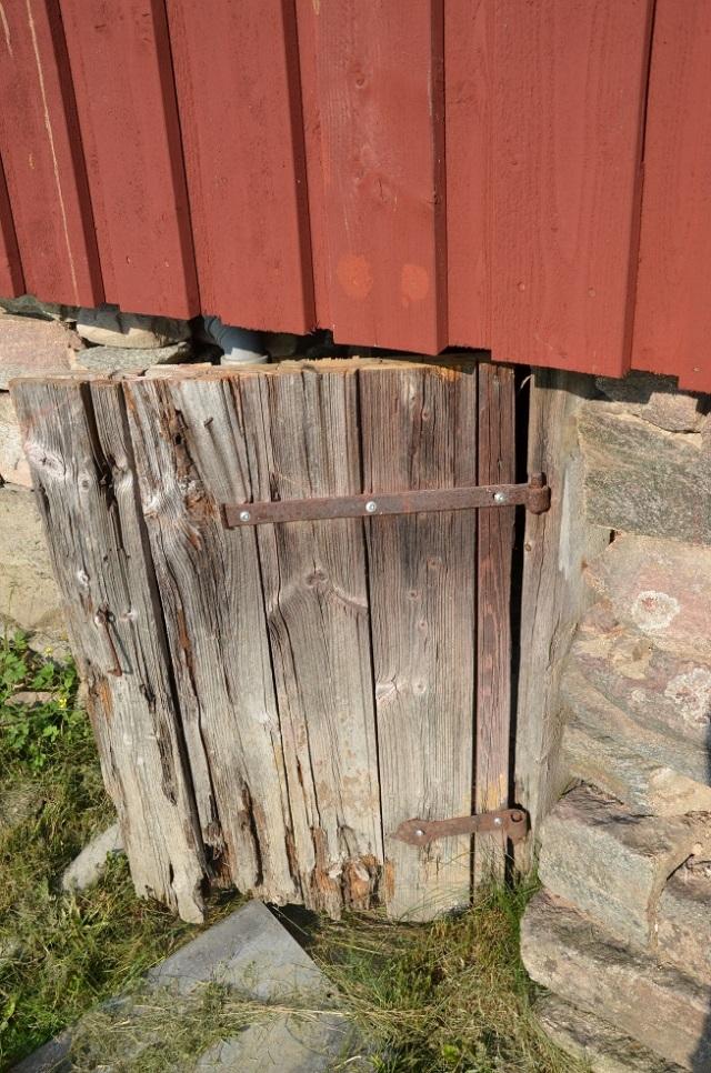 original door entrance to eart cellar