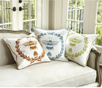 napoleonic-bee-traditional-pillows