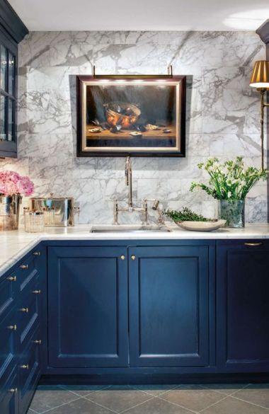 blå luckor är inte vanligt i kök